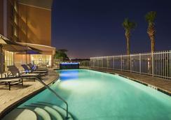 迈阿密机场-蓝色泻湖坎布里亚酒店 - 迈阿密 - 游泳池