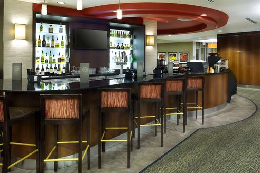 迈阿密机场-蓝色泻湖坎布里亚酒店 - 迈阿密 - 酒吧