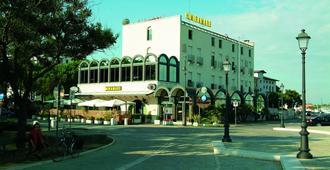 米拉马雷酒店 - 切塞纳蒂科 - 建筑