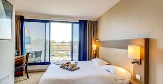 圣马洛特朗萨特布里特酒店 - 圣马洛 - 睡房