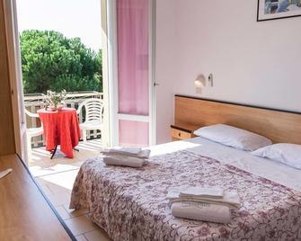 莱万特酒店 - 切尔维亚 - 睡房