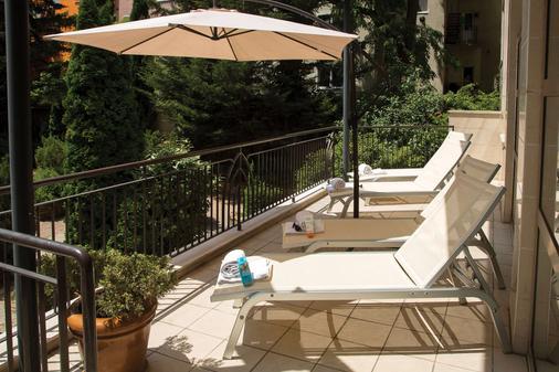 布达佩斯阿迪纳公寓酒店 - 布达佩斯 - 阳台