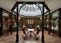 卡塞尔市中心温德姆特莱普酒店 - 卡塞尔 - 大厅