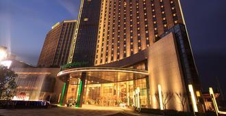 南通绿洲国际假日酒店 - 南通