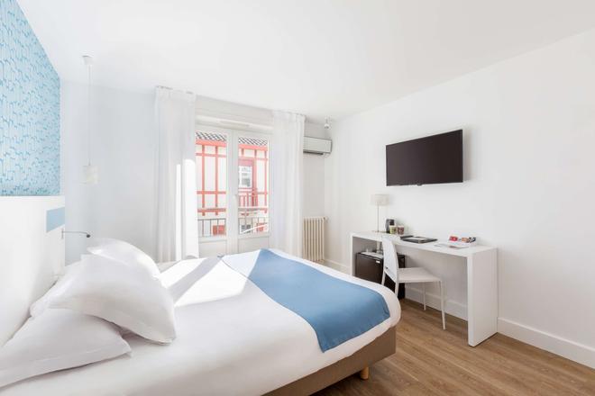 科马里西佳酒店 - 比亚里茨 - 睡房