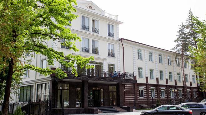 比什凯克公园酒店 - 比什凱克 - 建筑