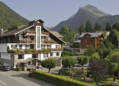 乐斯波尔庭酒店 - 莫尔济讷 - 建筑