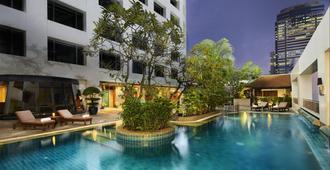 曼谷中庭酒店 - 曼谷 - 游泳池
