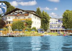 湖畔巴里米梅乐公寓式酒店 - 沃尔特湖畔韦尔登 - 建筑