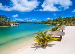 瓦努阿图假日酒店度假村 - 维拉港 - 海滩