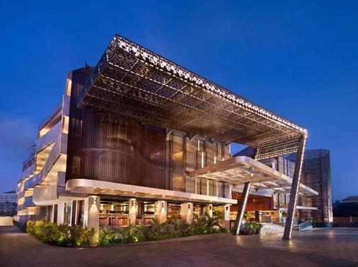 巴厘岛库塔日落路温德姆华美达酒店 - 库塔 - 建筑