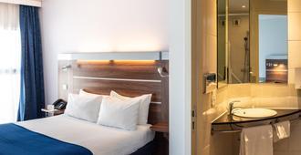 快捷假日马赛圣查尔斯酒店 - 马赛 - 睡房