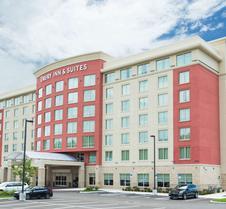 梅尔斯堡I-75和墨西哥湾岸区市中心德鲁里套房酒店