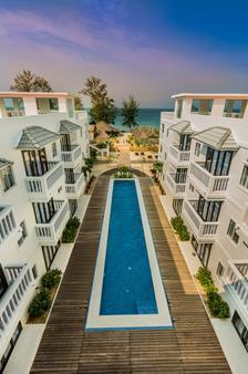 玛丽海滩度假酒店 - 西哈努克市 - 游泳池