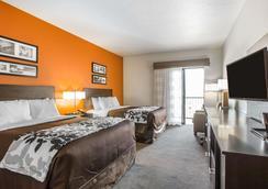 鲍威尔湖斯利普套房酒店 - 佩吉 - 睡房