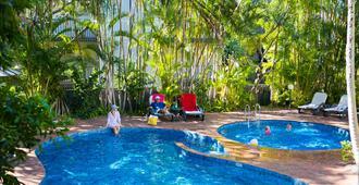 海风度假酒店 - 奴沙岬 - 游泳池