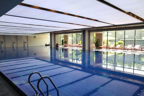 成都空港大酒店 - 成都 - 游泳池