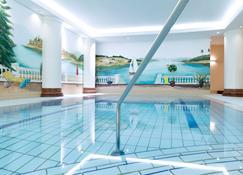 诺富特弗赖堡音乐厅酒店 - 弗莱堡 - 游泳池