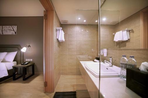 哈珀库塔酒店 - 库塔 - 浴室