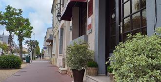 香蒂利酒店 - 多维尔