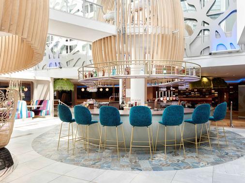 伦敦希思罗机场T1T2和T3诺富特酒店 - 伦敦 - 酒吧