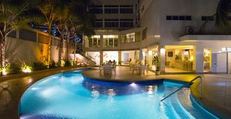 贝罗翁迪纳普拉亚酒店 - 萨尔瓦多 - 游泳池
