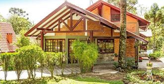 雅尔丁弗洛赖斯小屋酒店 - 格拉玛多 - 建筑