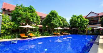吴哥中央精品酒店 - 暹粒 - 游泳池