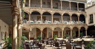 洛维拉达宫酒店 - 阿维拉 - 露台