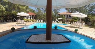 邦塞酒店 - 博尼图 - 游泳池