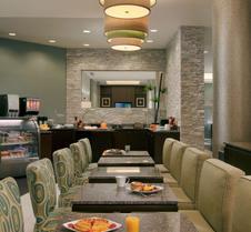 科勒尔盖布尔斯迈阿密国际机场贝斯特韦斯特尊贵酒店