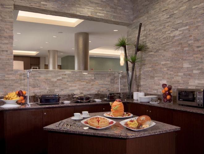 最佳西方迈阿密国际机场精品套房酒店 - 迈阿密 - 自助餐
