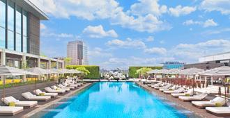 台北W饭店 - 台北 - 游泳池