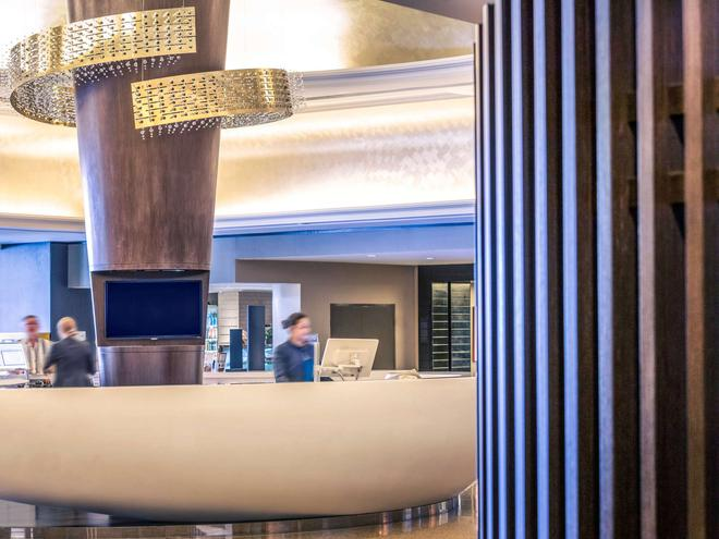 布里斯班乔治国王广场美居酒店 - 布里斯班 - 建筑
