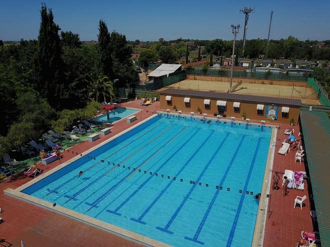 罗马里尔村庄度假屋 - 罗马 - 游泳池