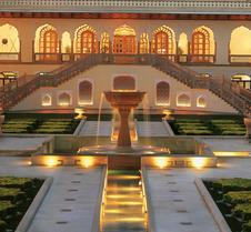 伦巴宫殿酒店