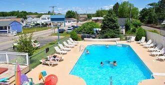 海风汽车旅馆 - 旧奥查德比奇 - 游泳池