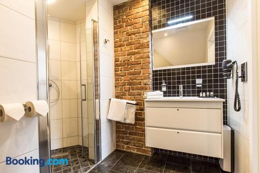 阿德尔霍夫公寓式酒店 - 奥斯纳布吕克 - 浴室