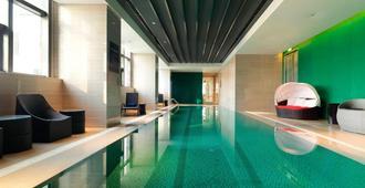 大连雅乐轩酒店 - 大连 - 游泳池