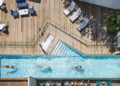 阿雅克修美居酒店 - 阿雅克修 - 游泳池