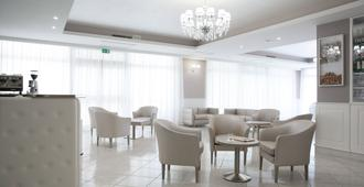 里昂酒店及罗索卡瓦利诺餐厅 - 圣乔瓦尼·罗通多 - 休息厅