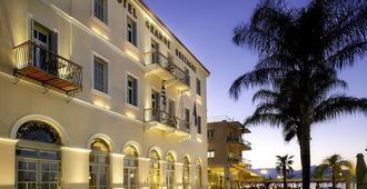 纳夫普利翁格朗德布里塔奈酒店 - 纳夫普利翁 - 建筑
