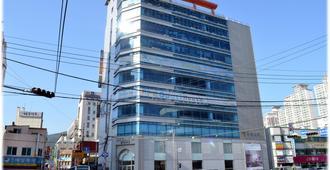 海云台爆米花旅馆 - 釜山 - 建筑