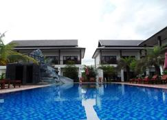 沙湾日落景观度假村 - 万荣 - 游泳池