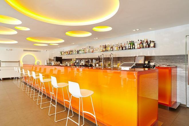 老伊维萨太阳公寓酒店 - 伊维萨镇 - 酒吧