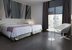Nh巴塞罗那体育场酒店 - 巴塞罗那 - 睡房