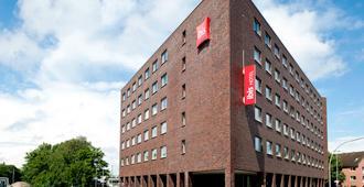 宜必思汉堡万茨贝克酒店 - 汉堡 - 建筑