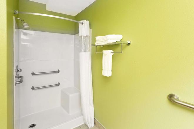 纽波特戴斯酒店 - 纽波特(俄勒冈州) - 浴室
