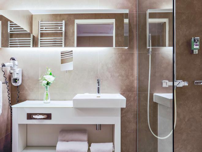 巴黎瓦格拉蒂凡尔赛门美居酒店 - 巴黎 - 浴室