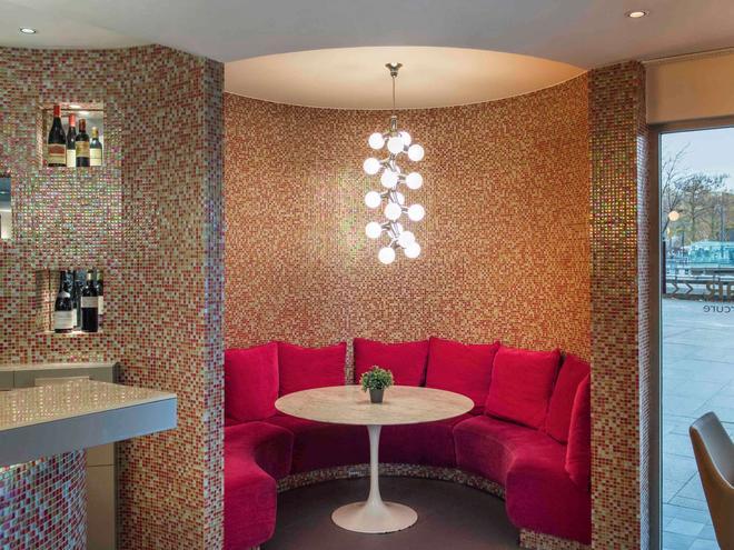 巴黎瓦格拉蒂凡尔赛门美居酒店 - 巴黎 - 休息厅